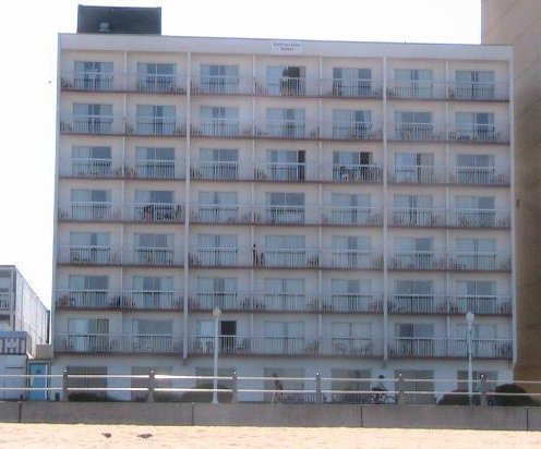 Ocean Suites: oceanfront hotel