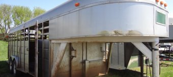Travel along Livestock Trailers
