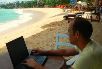 Travel online jobs